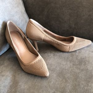 Fabric Classic Pumps/Charles by Charles David